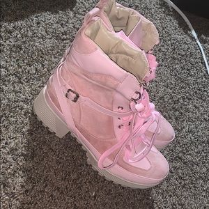 Pink boots never worn size 8